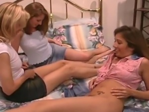 Free young lesbian ass licking porn videos