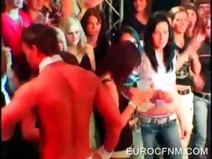 Slutty babe sucking stripper&#039;s dick