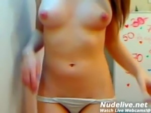 You Must Watch this Super Beautiful Webcam Model free
